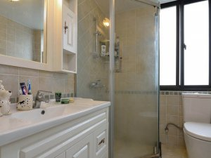 纯白时尚卫浴间装修设计