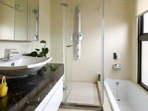 现代简约风格卫生间装修效果图片