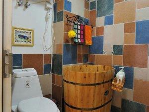 美式简约风格卫生间装修效果图片