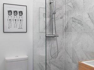 朴素北欧装修风格大理石卫生间淋浴房装修案例图