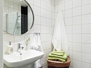 简洁北欧卫生间瓷砖装饰图
