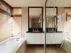 现代家装卫生间窗户设计