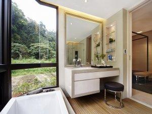 现代卫生间窗帘隔断淋浴房