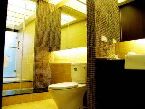 现代欧式卫生间马赛克背景墙装饰效果图