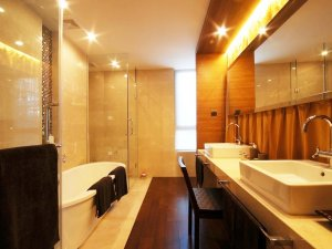 大户型卫生间双人淋浴间装修效果图   面盆装修效果图