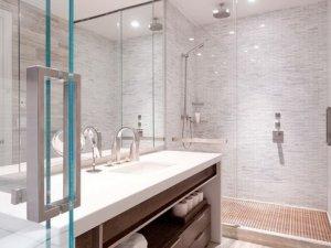 简约风格卫生间实木浴室柜效果图   淋浴房隔断效果图