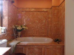 东南亚风格卫生间桔色墙砖铺装效果图