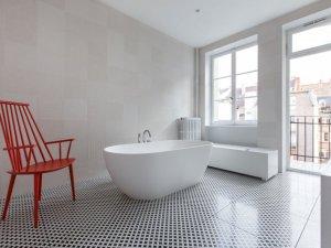纯白色卫浴装修效果图 大户型卫浴装修效果图