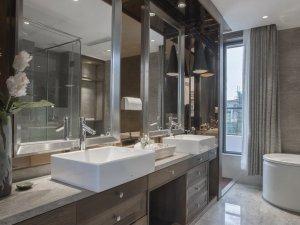 现代大卫生间浴室柜装修效果图 实木浴室柜图片