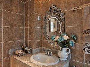 法式风格洗漱台装修效果图 精美浴室镜图片