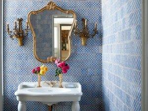 法式风格蓝色卫生间效果图 洗面盆设计图片