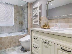 美式风格大卫生间装修效果图 白色浴室柜图片大全