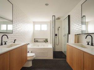 原木色浴室柜图片 简约卫生间效果图
