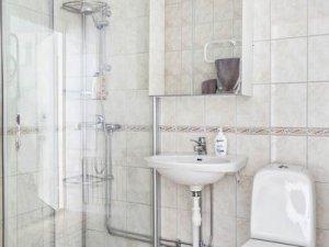 小卫生间淋浴间设计效果图 玻璃隔断门效果图