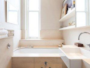 小卫生间浴缸装修效果图 白色卫浴间图片