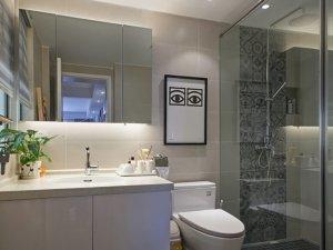 时尚卫生间装修效果图 透明玻璃淋浴房效果图