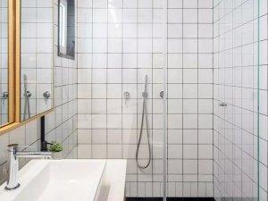 小户型北欧风浴室图片 整体淋浴房图片